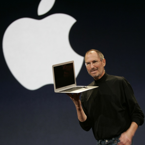 US-IT-APPLE-MACWORLD-JOBS-MACBOOK AIR