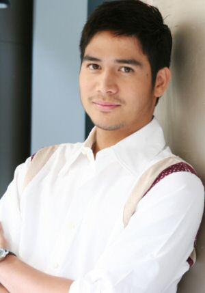 piolo pascual in a Speed Babad ad that's not up to speed