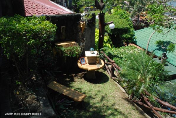 amiels-urn-on-the-outdoors_wawam