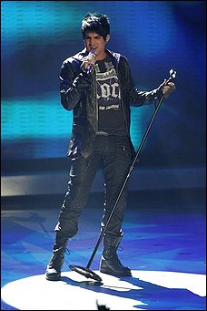 adam lambert wins IDOL