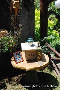 amiels urn garden_wawam