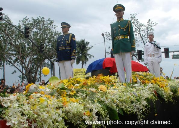 cory aquino burial august 5 2009